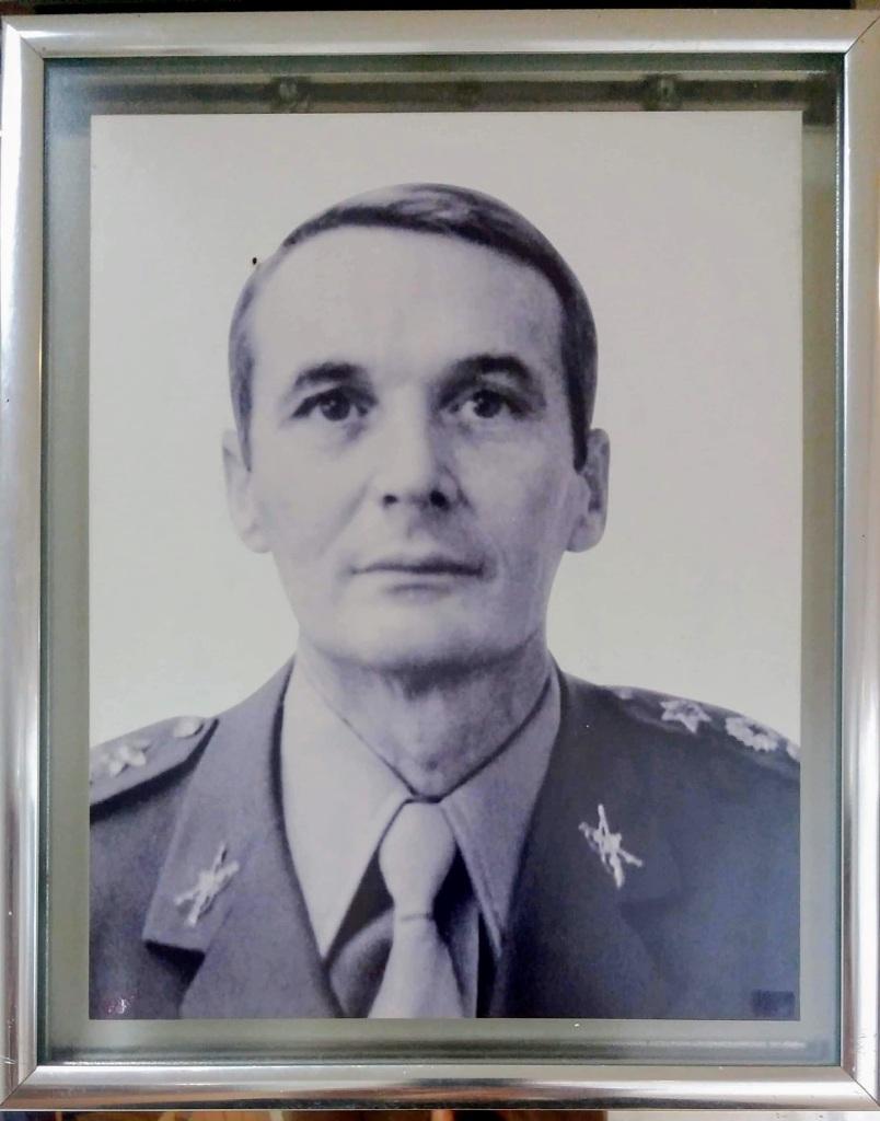1980 – Em 04 de fevereiro de 1980 assume o TEN CEL Exercito Brasileiro Mauro Azambuza De Oliveira.